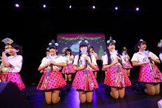 3B junior 第30回定例公演「Christmas Hug~抱きしめてくれ Night~」第2部の様子。(撮影:笹森健一)