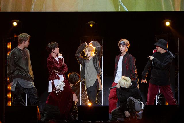 BTS「MIC Drop / DNA / Crystal Snow」発売イベントの様子。(撮影:田中聖太朗写真事務所)