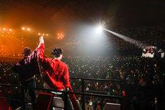 Da-iCEの幕張イベントホール公演の様子。(Photo by HAJIME KAMIIISAKA)