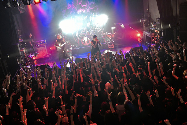 lynch.「THE BLOOD THIRSTY CREATURES」札幌PENNY LANE24公演の様子。(撮影:土屋良太)