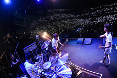 Hi-STANDARD「THE GIFT TOUR」埼玉・さいたまスーパーアリーナ公演の様子。(Photo by Teppei Kishida)