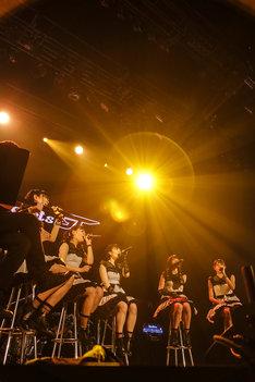 「Party Rockets GT ONEMAN LIVE~Future~」で行われたアコースティックコーナーの様子。(写真提供:エイトワン)
