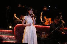生田絵梨花「MTV Unplugged: Erika Ikuta from Nogizaka46」の様子。(写真提供:MTV)