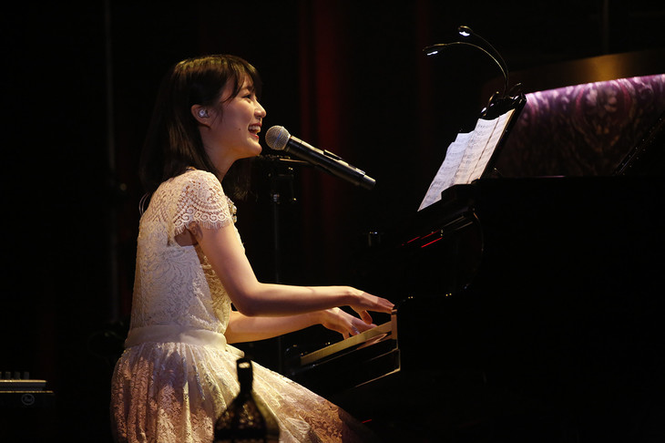生田絵梨花「MTV Unplugged: Erika Ikuta from Nogizaka46」の様子。(写真提供:MTV)