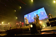 10-FEETのステージに登場した東京スカパラダイスオーケストラ。