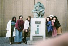 私立恵比寿中学。左から真山りか、安本彩花、星名美怜、柏木ひなた、小林歌穂、中山莉子。