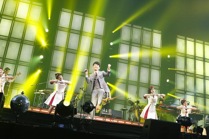 """星野源「Live Tour """"Continues""""」より。"""