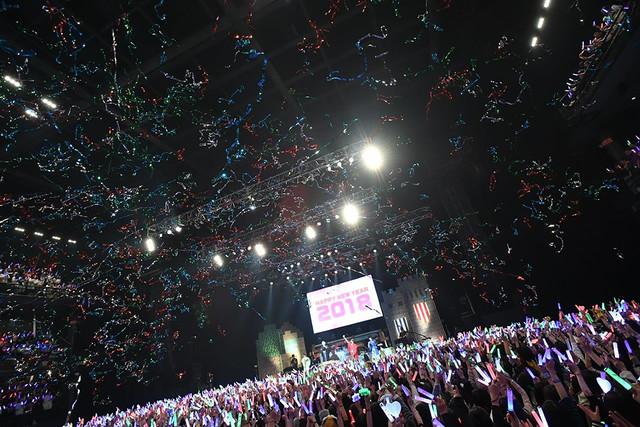 人気画像1位は「そらまふうらさか、25曲を届けた年越しライブで新年の幕開け祝う」より、「After the Rain COUNTDOWN PARTY 2017-18 ~そらまふうらさか年越し会~」の様子。(撮影:小松陽祐[ODD JOB]、岡本麻衣)