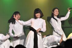 アイドルネッサンス「年またぎ!名曲ルネッサンス全曲披露ライブ」第3部の様子。