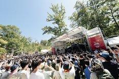 「りんご音楽祭2017」よりサイプレス上野とロベルト吉野のステージの様子。