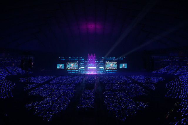 AAAの東京ドーム公演の様子。