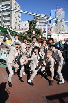 東京スカパラダイスオーケストラと峯田和伸(銀杏BOYZ)。