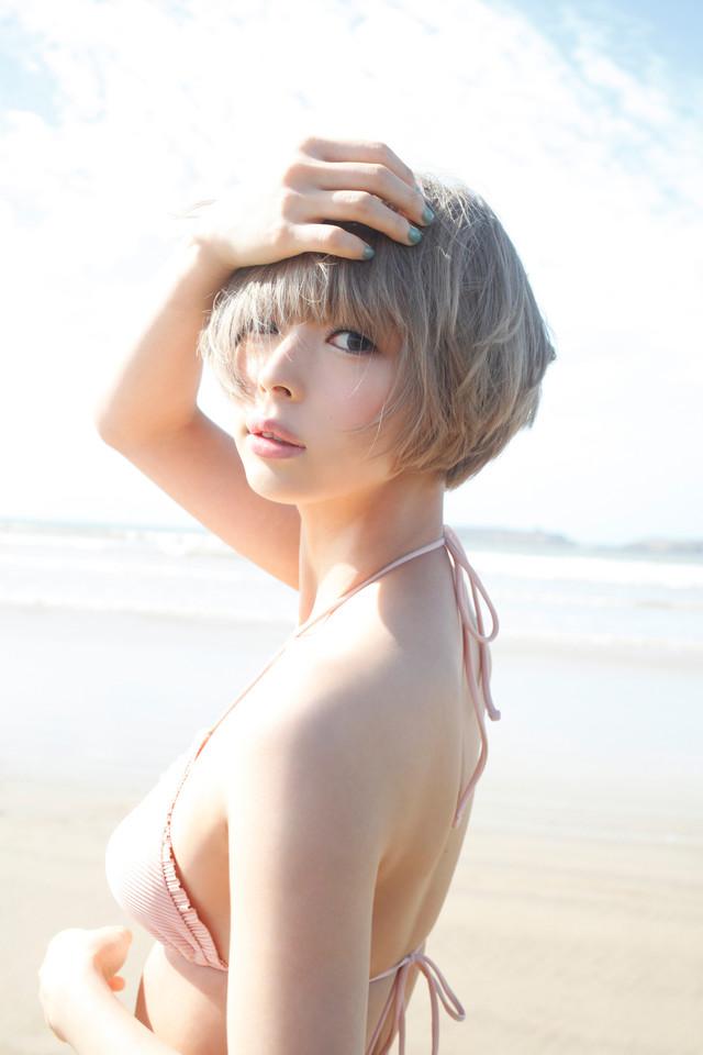 「最上もが2nd写真集『MOGAMI』」掲載カット (c)桑島智輝 / 週刊ヤングジャンプ