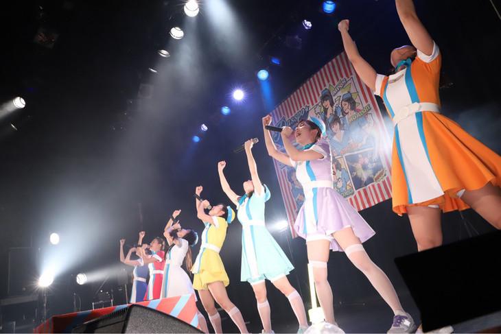 PASSPO☆「歌って踊って奏でるツアー2017→2018」東京・WWW X公演の様子。