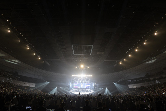 Little Glee Monster「Little Glee Monster Arena Tour 2018 - juice !!!!! -」神奈川・横浜アリーナ公演の模様。(写真提供:Sony Music Records)