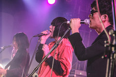 左から小林祐介(THE NOVEMBERS)、SHO ASAKAWA(PLASTICZOOMS)、KENT(Lillies and Remains)。(撮影:創-sou-)
