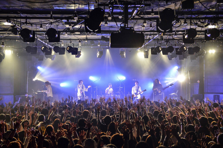 BIGMAMA「TRANSIT MAMA TOUR 2018」東京・LIQUIDROOM公演の模様。(Photo by AZUSA TAKADA)