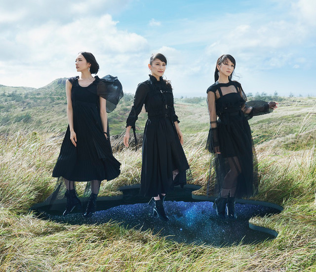Perfume「無限未来」初回限定盤ジャケット