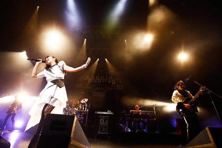 「angela Live Tour 2018 Beyond」東京公演の様子。