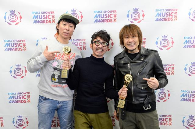 「ALBUM OF THE YEAR」を受賞したHi-STANDARD。