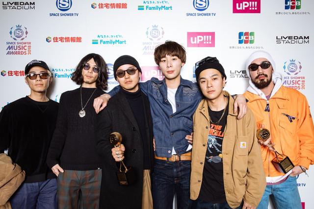 「BEST ROCK ARTIST」「BEST NEW VISION」を受賞したSuchmos。