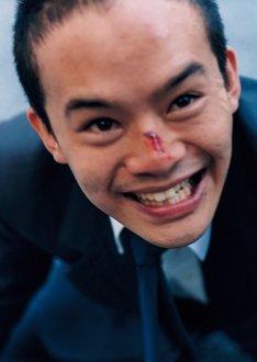 池松壮亮演じる主人公・宮本浩。(c)「宮本から君へ」製作委員会