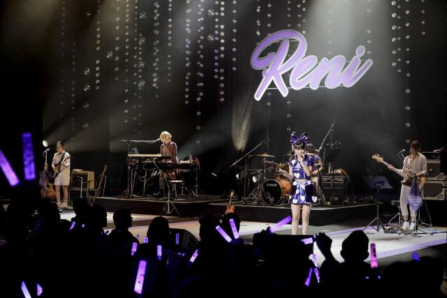 http://cdnx.natalie.mu/media/news/music/2018/0310/takagireni_live0309_20_fixw_640_hq.jpg