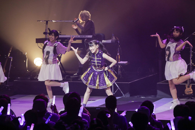 http://cdnx.natalie.mu/media/news/music/2018/0310/takagireni_live0309_3_fixw_640_hq.jpg