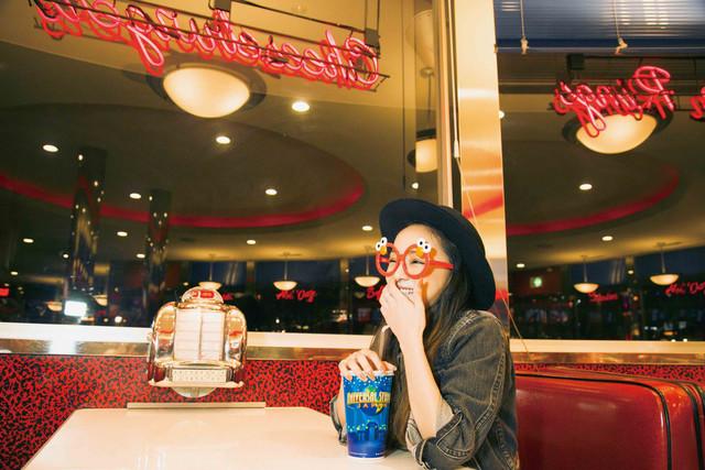 安室奈美恵「GIFT」より、大阪でのオフショット。