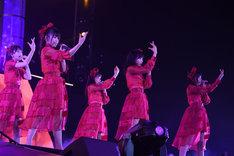 「AKB48単独コンサート ~ジャーバージャって何?~」夜公演の様子。(c)AKS