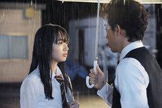 映画「恋は雨上がりのように」より。