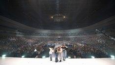 Little Glee Monster「Little Glee Monster Arena Tour 2018 - juice !!!!! - at YOKOHAMA ARENA」より。
