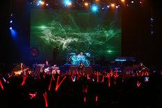 「X JAPAN LIVE 2018 アメリカフェス出演直前 PREMIUM GIGS ~YOSHIKI復活の夜~」4月11日公演の様子。