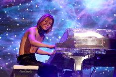 YOSHIKI(Dr, Piano)