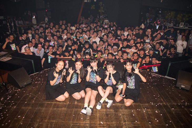 Devil ANTHEM.「春の東名阪ONE MAN TOUR『桜前線ツアーだったら花吹雪』」東京・SOUND MUSEUM VISION 公演の様子。(写真提供:エイジアプロモーション)