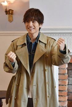 日本テレビ系「崖っぷちホテル!」メイキング写真より岩田剛典。(c)NTV