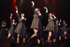 「転校少女歌撃団 5thワンマンライブ ~THE LAST GIGS~」の様子。