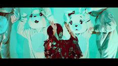 ヒステリックパニック「Love it!」ミュージックビデオのワンシーン。