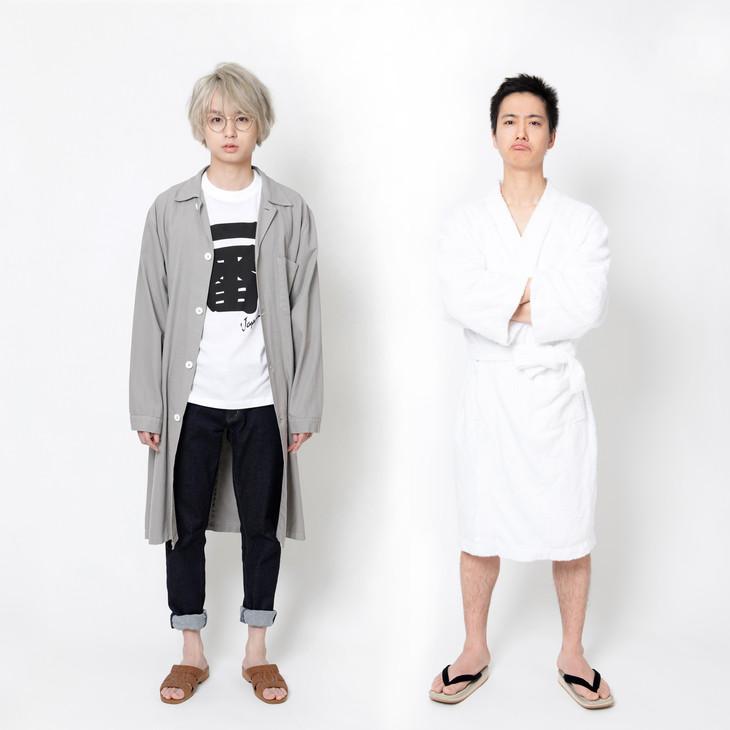 冬ノ介役の伊野尾慧と、夏太郎役の戸塚祥太。(c)NTV.JS