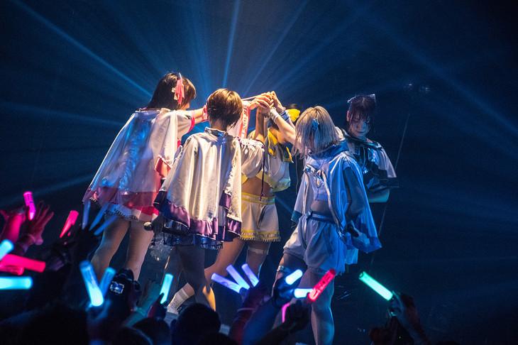 CY8ER「CY8ER NEWGENE TOUR」東京・TSUTAYA O-EAST公演の様子。(写真提供:ICIGOSTYLE)