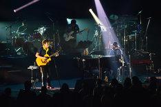 "「SUKIMASWITCH TOUR 2018 ""ALGOrhythm""」福岡・福岡サンパレスホテル&ホール公演の様子。(撮影:田中紀彦)"