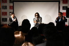 I.N.A.(hide with Spread Beaver)「君のいない世界 ~hideと過ごした2486日間の軌跡~」刊行記念イベントの様子。