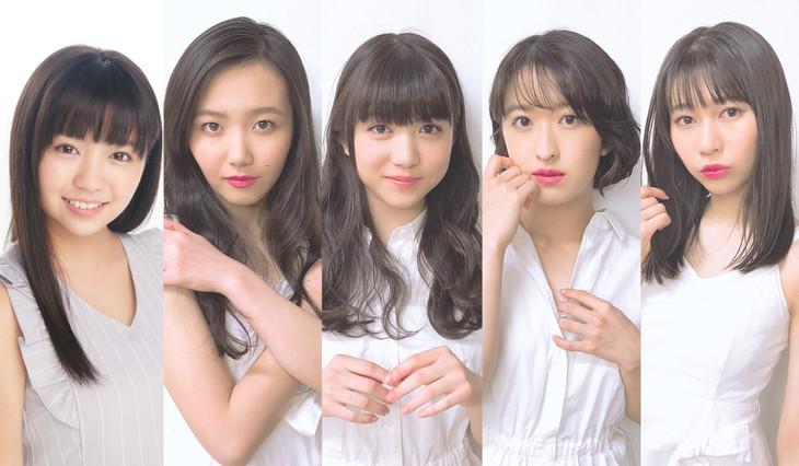 左から大原優乃、東京女子流。