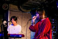 ホリエアツシ(ストレイテナー)とmajiko。(Photo by Viola Kam[V'z Twinkle])