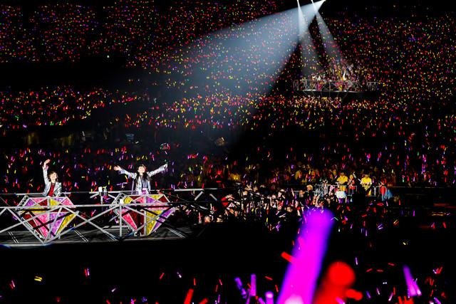 「ももいろクローバーZ 10th Anniversary The Diamond Four -in 桃響導夢-」5月23日公演の様子。(Photo by HAJIME KAMIIISAKA + Z)