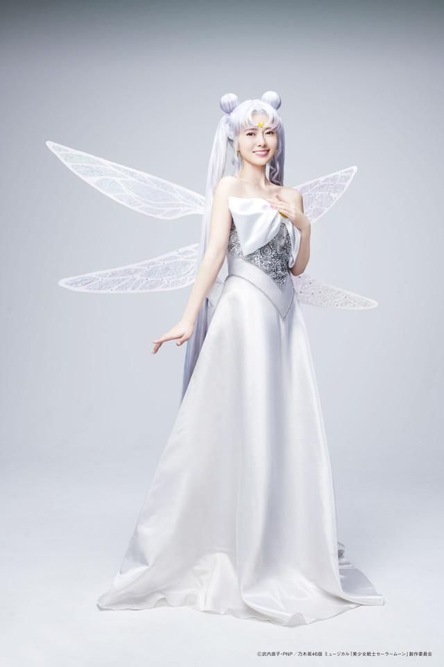 白石麻衣演じるクイーン・セレニティ。