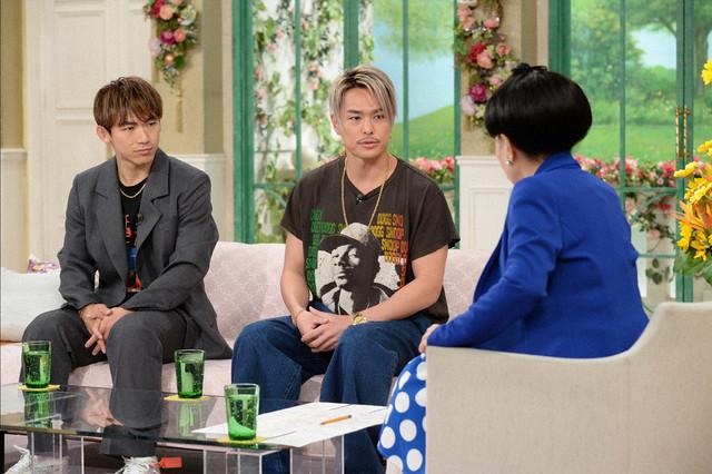 左からNAOTO、今市隆二、黒柳徹子。 (c)テレビ朝日