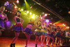 AKB48チームK「ただいま恋愛中」公演の様子。 (c)AKS