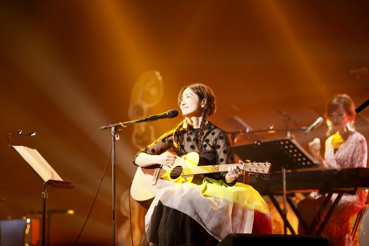 安藤裕子「15周年LIVE~長くなるでしょうからお夕飯はお早めに~」の様子。(撮影:石井亜希)