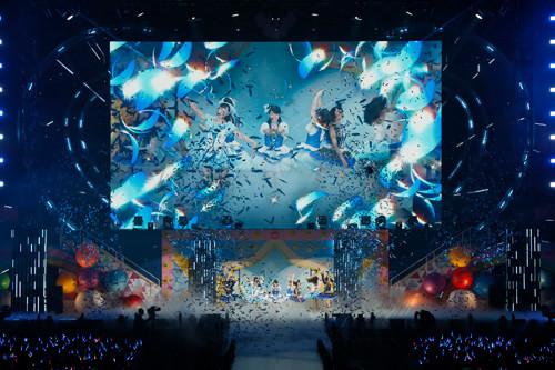 Aqours「ラブライブ!サンシャイン!! Aqours 3rd LoveLive! Tour ~WONDERFUL STORIES~」埼玉・メットライフドーム公演の様子。